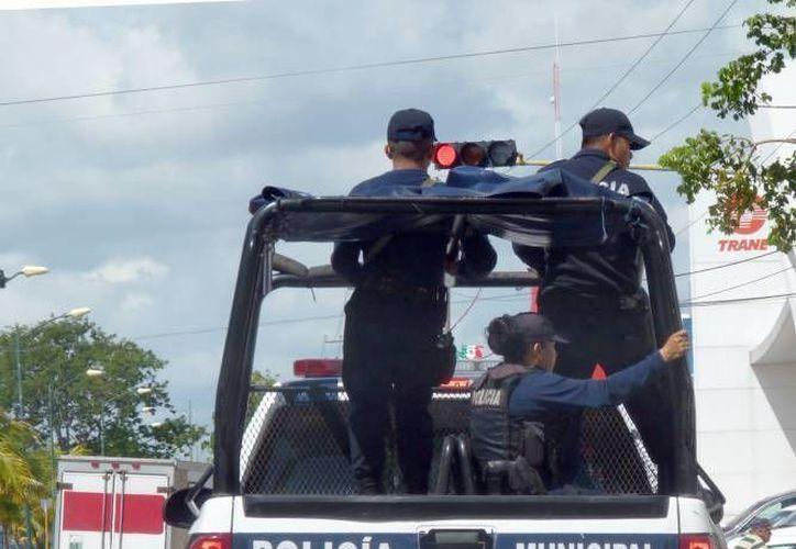 Los policías realizaron un operativo de búsqueda, pero no encontraron a los asaltantes. (Archivo/SIPSE)