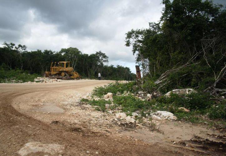 La construcción del nuevo aeródromo de la Riviera Maya concluirá aproximadamente en marzo del 2015. (Redacción/SIPSE)