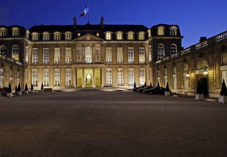 Diarios franceses aseguran que los documentos publicados por Wikileaks sobre intevenciones telefónicas a tres presidentes galos no contienen secretos de Estado. En la imagen, el palacio del Elíseo, sede de la Presidencia francesa. (slate.fr)