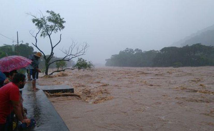 Las lluvias de la tormenta están afectando en el deslizamiento de laderas. (Foto: Milenio)