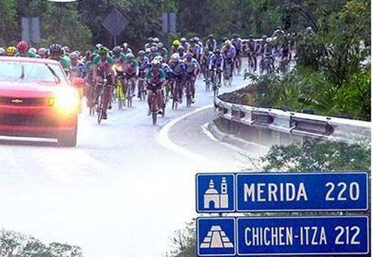 Ruta ciclista por la selva para aficionados del ciclismo. (Foto: Reto Cancún-Chichén)