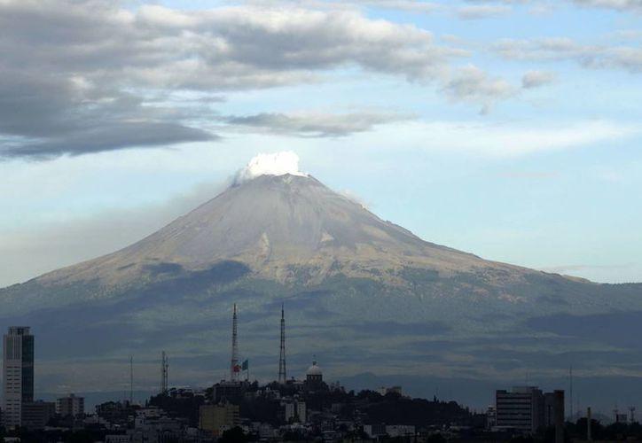 El monitoreo al Popocatépetl es permanente en caso de algún cambio en su actividad. (Notimex)