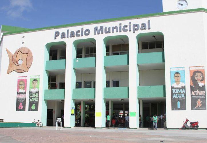 El secretario general de los Sindicalizados, explicó que buscan una nueva reunión con las autoridades municipales para saber que sucederá con el pago del bono. (Paloma Wong/SIPSE)