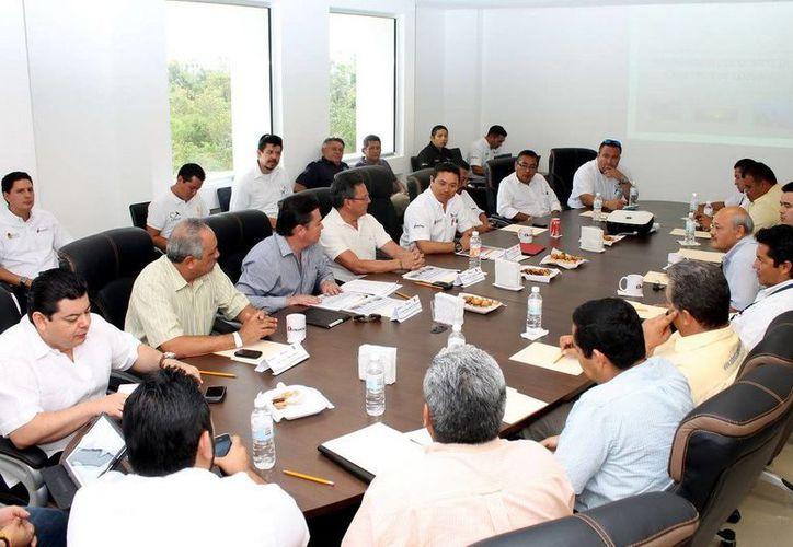 Autoridades federales, municipales e iniciativa privada conforman el comité. (Redacción/SIPSE)