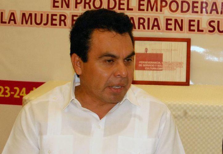 Ricardo Béjar Herrera confía en que sean pocas empresas incumplidas. (Milenio Novedades)