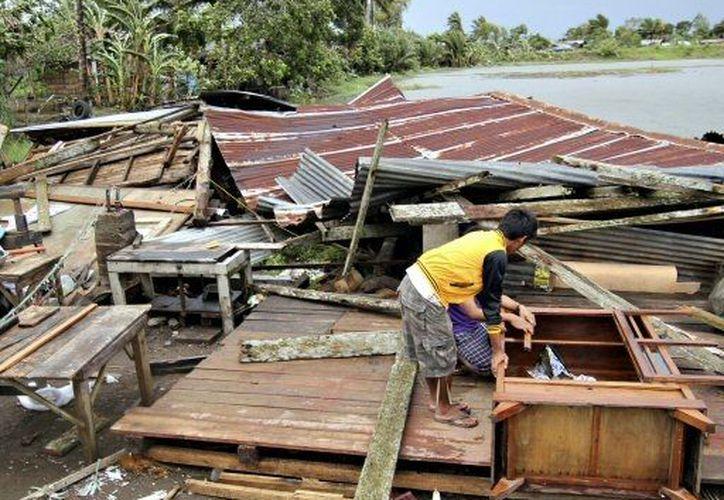 El meteoro obligó a más de 50 mil personas a desalojar sus viviendas. (Agencias)