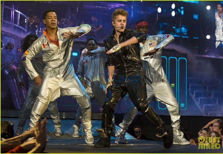 Al menos dos personas reportaron a Bieber por manejar a exceso de velocidad en un vecindario. (Agencias)