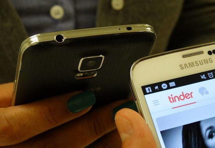 La mitad de los usuarios Tinder tiene entre 18 y 24 años, mientras que 85 por ciento tienen entre 18 y 34.(Christian Coquet/SIPSE)