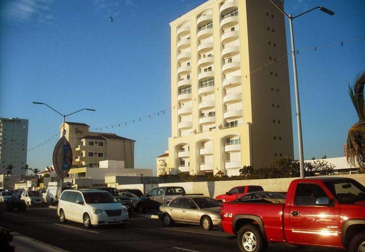 En el edificio 'Miramar', en céntrica zona de Mazatlán, fue detenido el líder del cártel de Sinaloa. (vaxtuxpan.com)