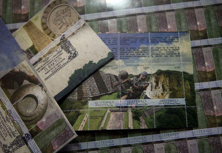Los sellos son trozos de la historia de la milenaria cultura maya, son coleccionables. (Agencia Reforma)