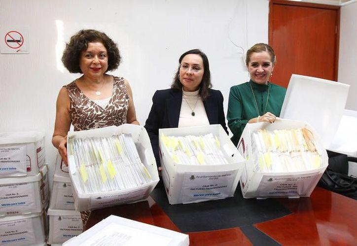 Los documentos que avalan las inconsistencias de Angélica Araujo. (Cortesía)