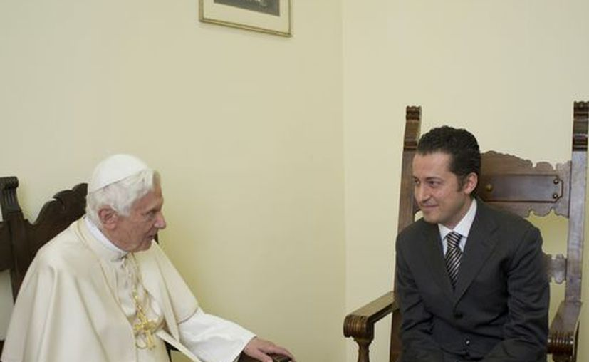 El ex mayordomo del Papa, Paolo Gabriele, es recibido en audiencia privada por el Papa Benedicto XVI, en el Vaticano. (Agencias)