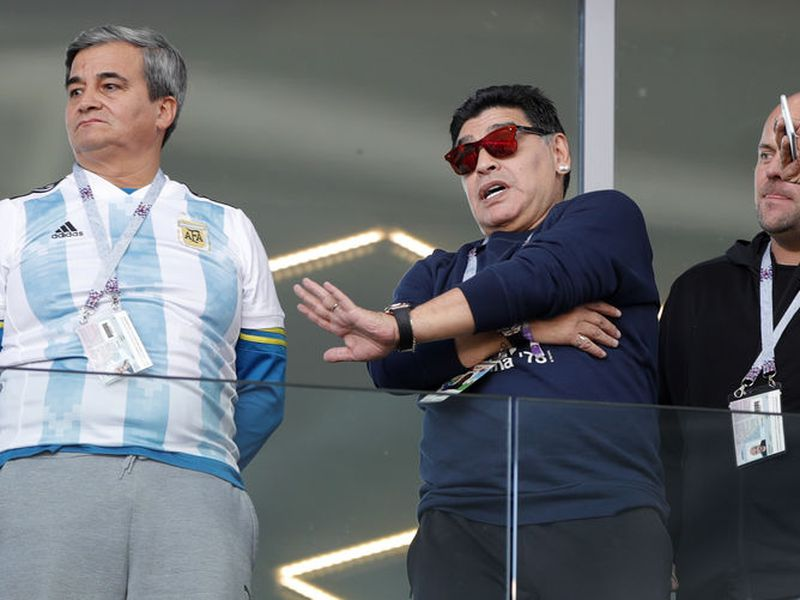 Diego Armando Maradona habló maravillas de lo que hizo la Selección Mexicana ante la alemana ayer (Foto: AP)