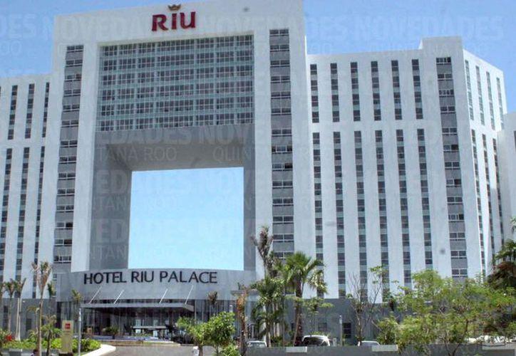 La empresa hotelera RIU tiene al menos 12 centros de hospedaje en Quintana Roo. (Redacción)