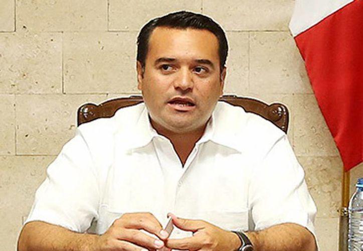 Renán Barrera Concha, dijo que la planta tiene un avance de 40% en la construcción. (Milenio Novedades)