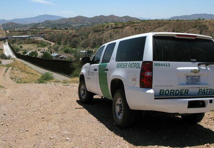 Aaron Anaya se encontraba en patrullaje el domingo por la tarde cuando detuvo su unidad en la frontera con México. (blogspot.mx)