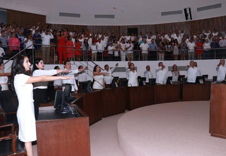 Los diputados rindieron protesta la tarde de este viernes. (Jorge Acosta/ Milenio Novedades)