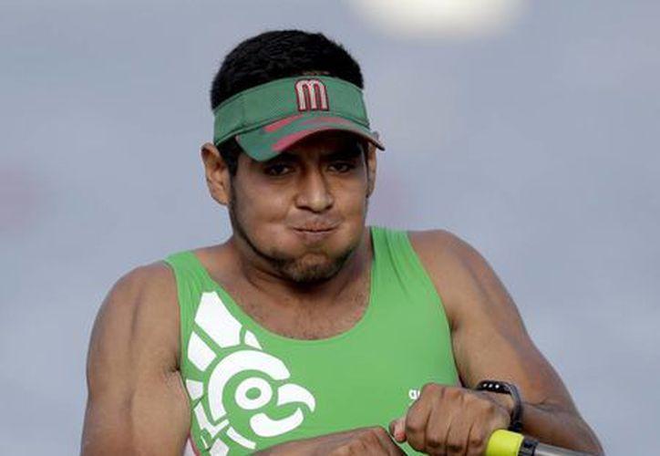 El mexicano buscará avanzar a la final, el próximo jueves, para seguir soñando con conseguir una medalla en la justa olímpica.(Luca Bruno/AP)