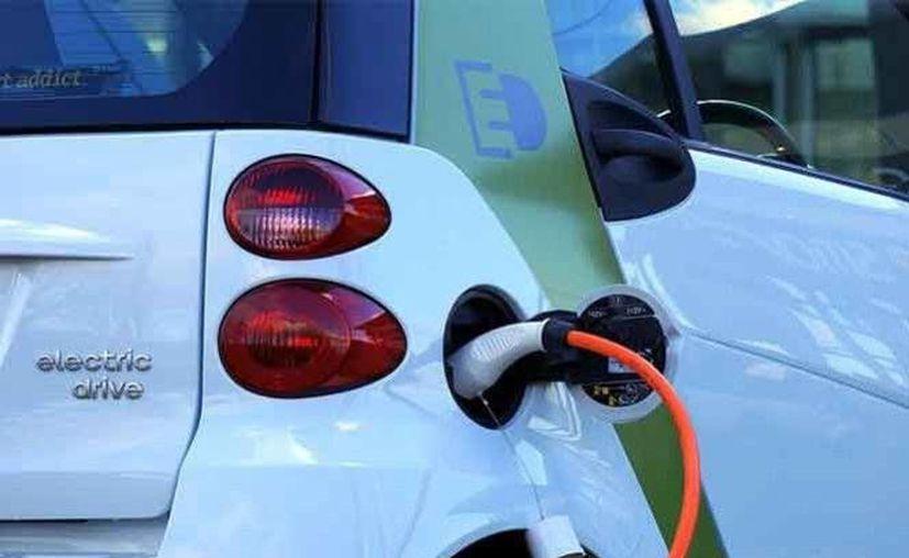 El medio ambiente e incluso el gobierno agradece a quienes circulen en autos  híbridos y eléctricos. (Foto: pixabay)