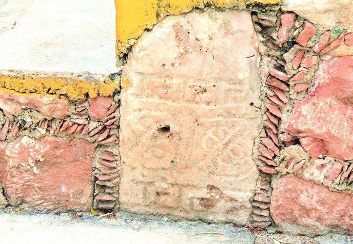 Casas de Opichén fueron construidas sobre basamentos y con piedras de ruinas mayas. (José Acosta/SIPSE)