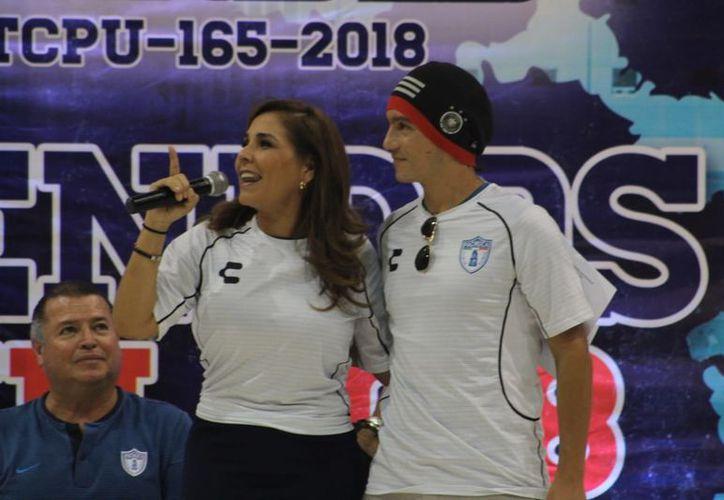 La presidenta electa del municipio Benito Juárez, Mara Lezama inauguró el Torneo Internacional 'Pachuca-Cancún UFD 2018'. (SIPSE)