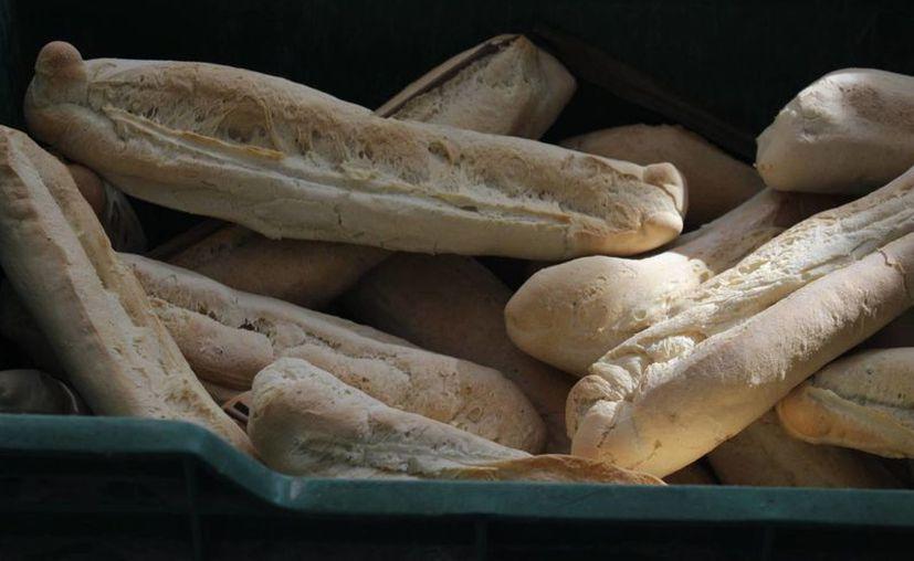 La cámara de panaderos en Yucatán analiza la posibilidad de incrementar el costo del pan blanco, pan francés y dulce con hasta en 2 pesos por pieza. (Archivo/ Milenio Novedades)
