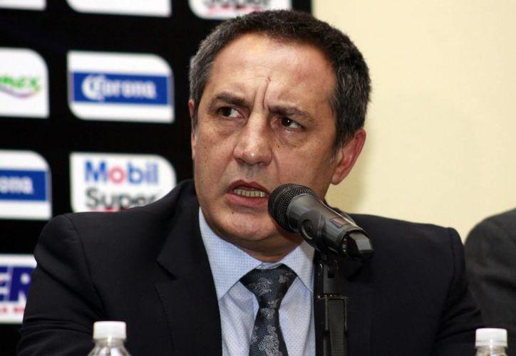 Tras salir goleado en su partido ante León, el técnico de La Franja,  Pablo Marini, dejó el puesto con un equipo sin posibilidades de liguilla. (Archivo Notimex)