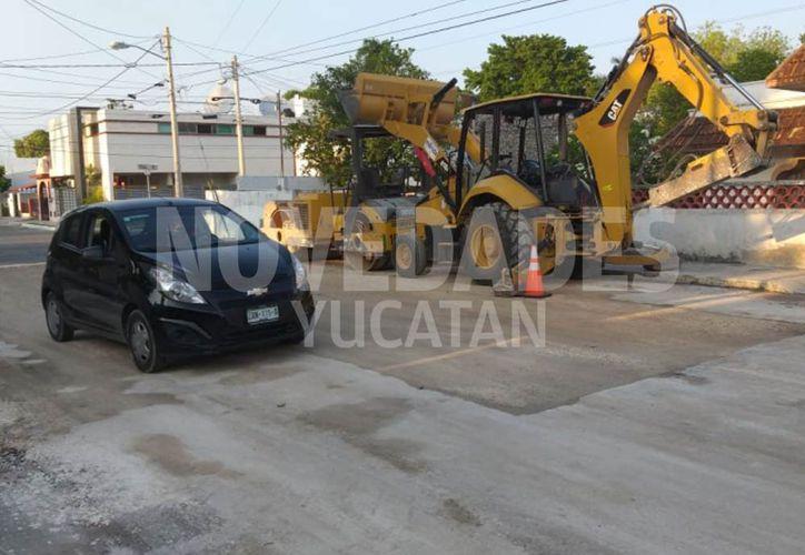 Personal municipal acudió al punto para comenzar las labores, las cuales ya fueron cocluidas. (Novedades Yucatán)