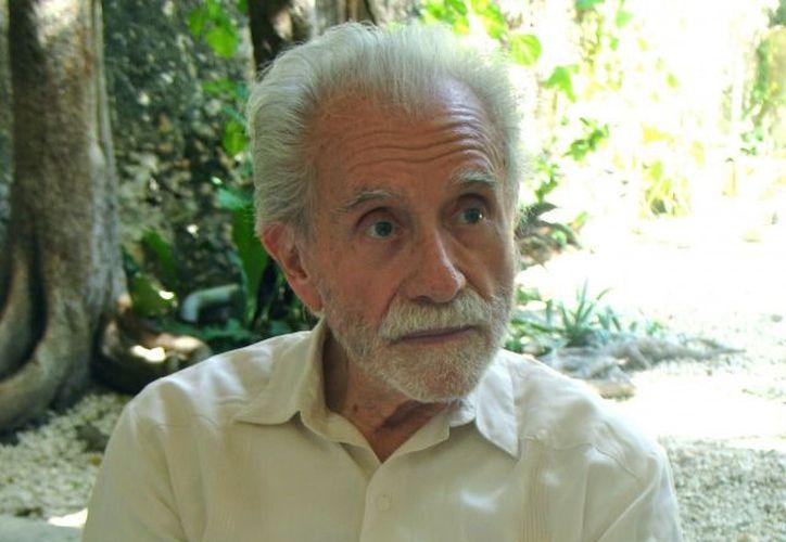 El poeta Daniel Téllez calificó a Raúl Renán (foto) como domador de las palabras. (SIPSE)