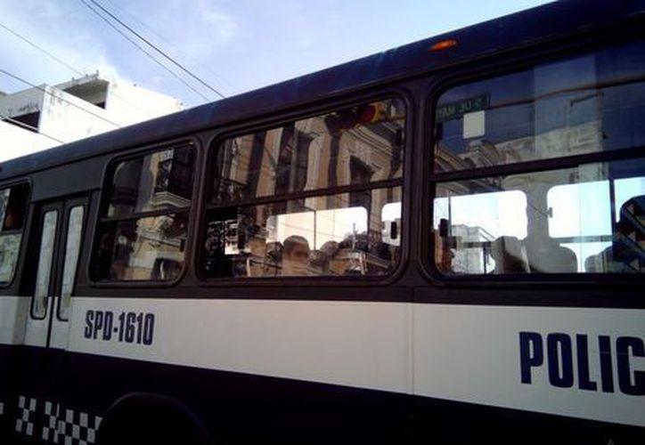 El grupo de migrantes centroamericanos viajaban en la parte trasera de un camión de carga para cruzar ilegalmente a Estados Unidos. (Milenio/Especial)