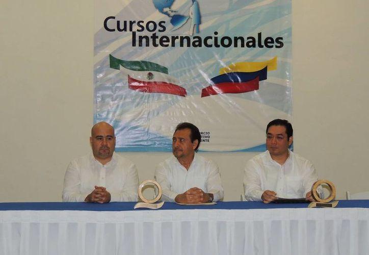 Ángel Rivero Palomo brindó una conferencia magistral. (Cortesía/SIPSE)