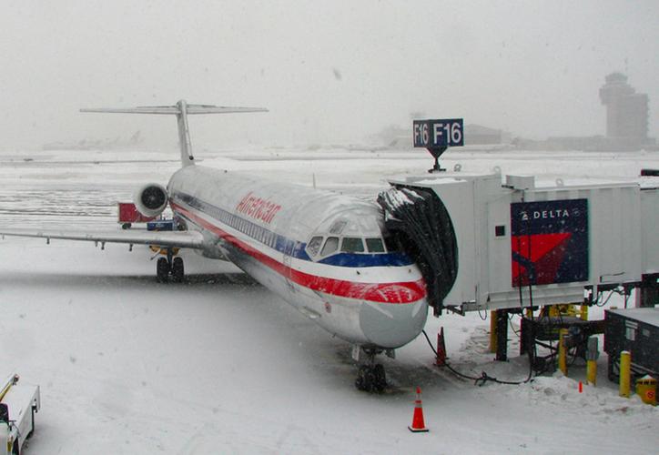 LaGuardia, la terminal aérea más afectada, canceló un 75 por ciento de todos sus servicios aéreos. (López Dóriga)