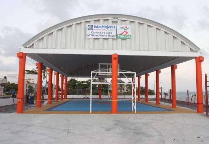Mañana Jueves serán inaugurados los domos deportivos. (Lanrry Parra/SIPSE)