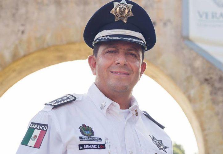 El secretario de Seguridad Pública de Veracruz, Arturo Bermúdez, renunció a su cargo para esclarecer el origen de su patrimonio. (YouTube/Veracruz HoraNacional)