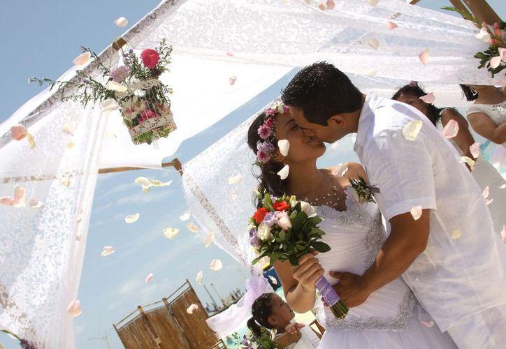 Muchos extranjeros también buscan casarse uno de los destinos más visitados en el mundo. (Foto: Daniel Pacheco/SIPSE).