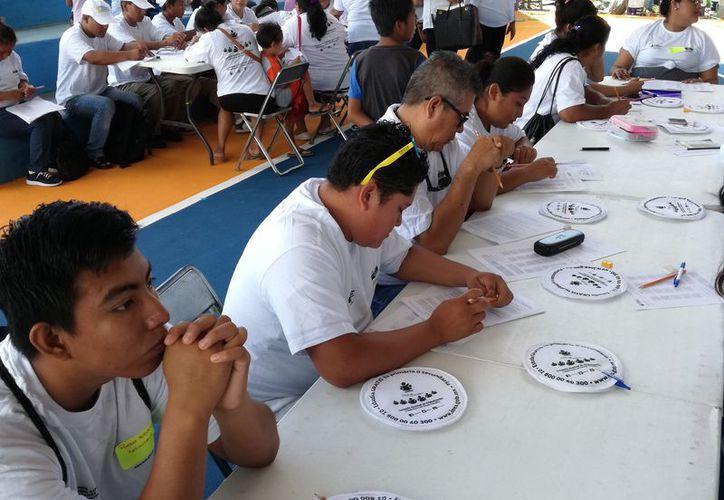 En la segunda Jornada Nacional que durará tres días se pretenden dar mil 273 certificaciones en Solidaridad. (Adrián Barreto/ SIPSE)