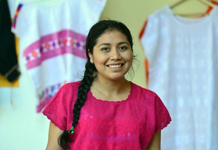 Artesanos de Belice, Guatemala, El Salvador y Honduras participan en el Encuentro Internacional de Creadores del Mundo Maya. (Luis Pérez/SIPSE)