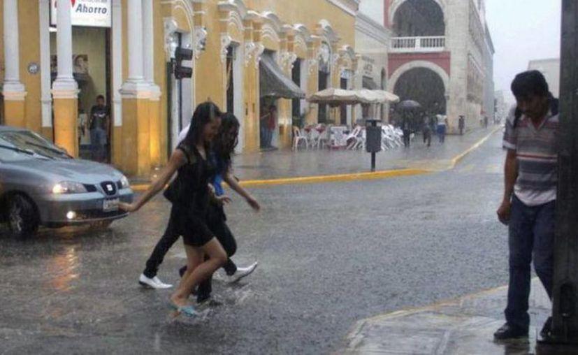 Este miércoles de nuevo habrá fuertes lluvias en Yucatán. (Novedades Yucatán)