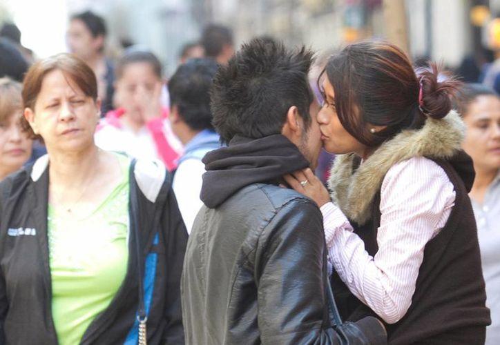 Más de un 20 por ciento de las adolescentes mexicanas ya iniciaron su vida sexual y un 80% de ellas asegura utilizar métodos anticonceptivos. (Archivo/Notimex)