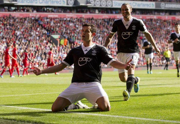 Dejan Lovren festeja el tanto anotado ante el Liverpool. (Foto: Agencias)