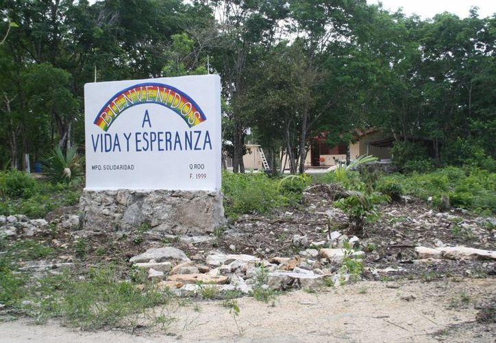 El hotel Banyan Tree prepara un tour a la comunidad Vida y Esperanza para ofrecerlo a sus huéspedes y a la comunidad en general. (Adrián Barreto/SIPSE)