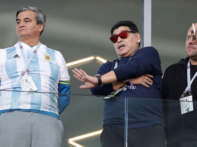 Maradona despotricó con todo contra el entrenador de la Selección Argentina, Jorge Sampaoli, y contra directivos de la AFA tras el 3-0 de Croacia. (Foto: AP)