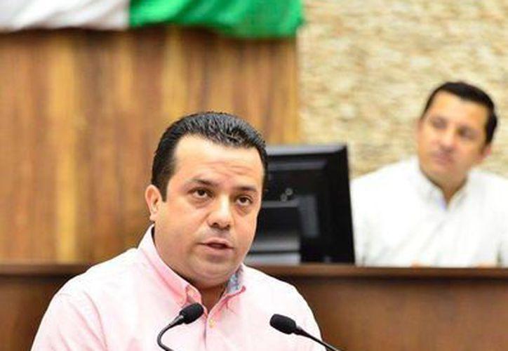 La Comisión Especial en el caso Tekax deberá actuar en coordinación y con pleno respeto al principio de la división de poderes, así como a la autonomía de las autoridades, expresó el diputado David Barrera Zavala (PRD) . (Foto cortesía del Gobierno estatal)