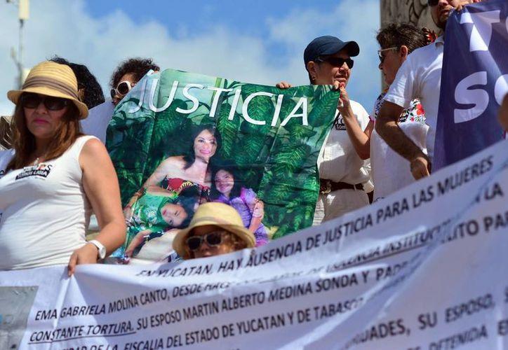 Numerosos activistas sociales se sumaron a la marcha por lo que consideran una injusticia contra Ligia Canto. (Milenio Novedades)
