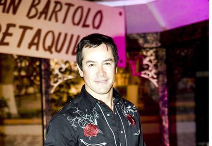 Gallegos ya no vive 'de la patada', ahora vive de la cantada y la actuación. (Agencia Reforma)