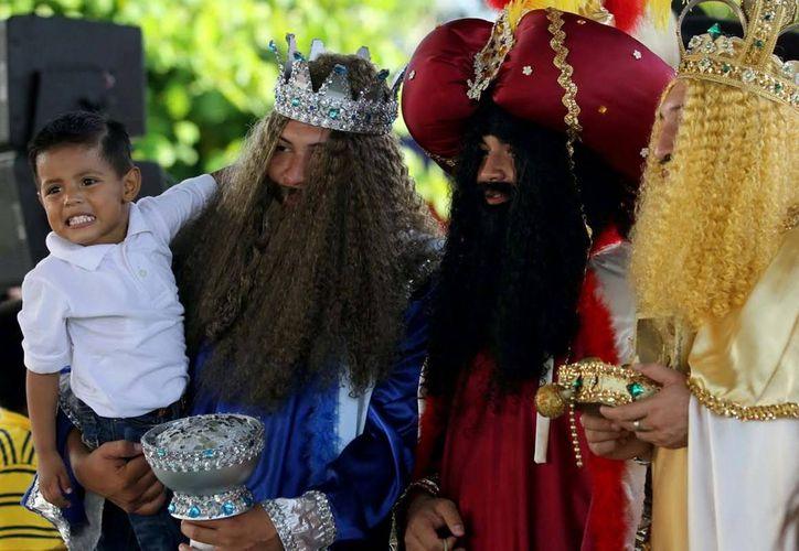 Para festejar el día de Reyes, el DIF de cada municipio de Quintana Roo, entregará juguetes y roscas a 100 mil niños. (Redacción/SIPSE)