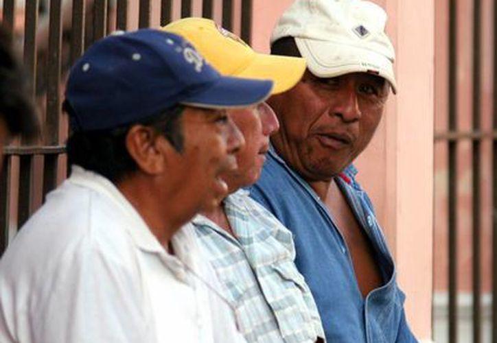 Yucatecos que viven en EU apoyan a sus familias envíando sus 'centavos'. (Milenio Novedades)