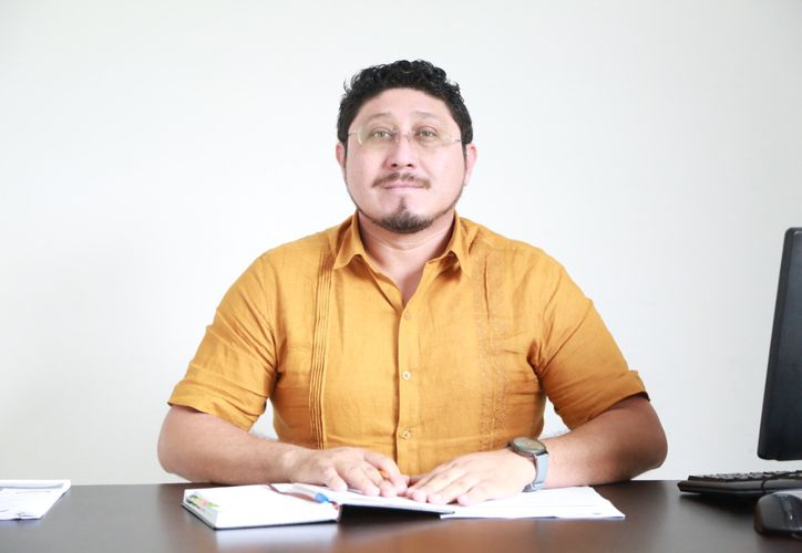 Diego Pérez Ucaña tiene la encomienda de trabajar por las familias más necesitadas de Tulum. (Foto: especial)
