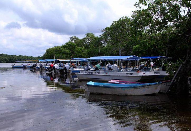 Lancheros de la Ría de Celestún recibieron apoyos de Cultur por 490 mil pesos. (Foto cortesía del Gobierno de Yucatán)
