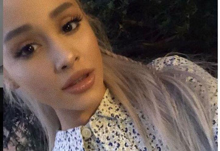 La cantante habló en la entrevista de los conflictos que ha enfrentado desde la muerte de su exnovio Mac Miller. (Instagram @arianagrande)